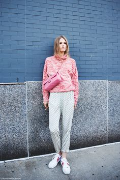 Pajamas all day // cozy pink sweater + gray sweatpants