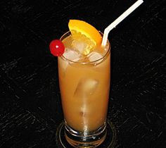 Rum drinks and cocktails - turn your preferred drinks by using Malibu rum foods for cool and delightful cocktails. Malibu Coconut, Coconut Rum, Malibu Rum, Types Of Alcoholic Drinks, Drinks Alcohol Recipes, Rum Recipes, Bar Drinks, Cocktail Drinks, Malibu Mixed Drinks