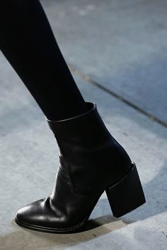 Helmut Lang ankle boots - a girl can't have enough black boots (I hope) Fashion Mode, Fashion Shoes, Womens Fashion, Fashion Black, Trendy Fashion, Style Fashion, Fashion Outfits, Classy Fashion, Stylish Outfits