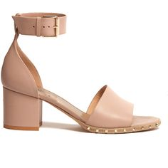 Valentino Soul Rockstud leather sandals (4.055 RON) ❤ liked on Polyvore featuring shoes, sandals, pink leather sandals, pink shoes, valentino sandals, leather footwear and genuine leather shoes