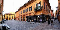 Bologna, L'abitazione di Lucio Dalla in Via d'Azeglio