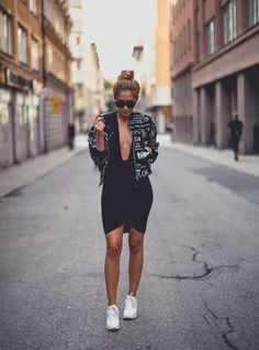 90s Inspired Street Style Featuring Nike Air Max & Bomber Jacket