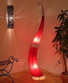 """Lederlampe """"Florin"""" in rot. 200cm hoch! www.albena-shop.de"""
