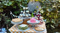 Haddie bears country fair 1st birthday! Dessert table, smash cake and cotton candy favors.