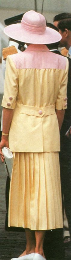 Princess Diana, One Day One Dress: 21st March 1990, Cameroon. Image result for princess diana in yellow dress