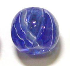 Emico collectionオリジナルアクセサリーシリーズエミコ・コレクションオリジナルのトンボ玉です。トンボ玉ツイスト16mm素材:ガラス※トンボ玉はガ...|ハンドメイド、手作り、手仕事品の通販・販売・購入ならCreema。