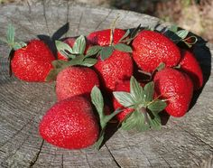 10 Sugar Strawberries, Vintage Sparkle Strawberry Ornaments, Christmas Decorations