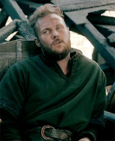 Find images and videos about gif, vikings and ubbe on We Heart It - the app to get lost in what you love. Vikings Ubbe, Vikings Show, Vikings Tv Series, Lagertha, Ragnar Lothbrok, History Channel, Valhalla Viking, Sons Of Ragnar, Vikings Travis Fimmel
