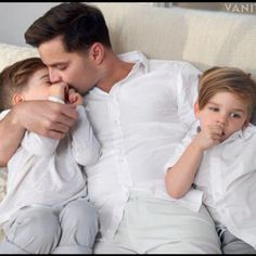 Ricky Martin and his twins. Adorable.
