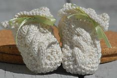 Ravelry: Zarella Baby Booties pattern by TSC Design Studio Bebe Baby, Seed Stitch, Baby Knitting, Knitting Ideas, Crochet For Kids, Baby Booties, Ravelry, Cute Babies, Knitted Hats