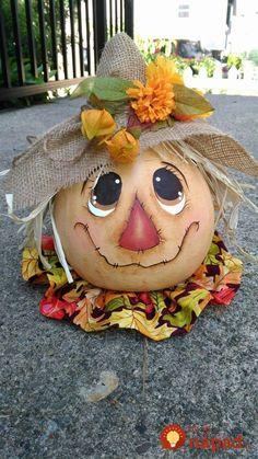 23 perfektných nápadov z tekvíc - jeden krajší, ako druhý: Toto bude chodi. Halloween Hacks, Halloween Gourds, Fall Halloween, Halloween Crafts, Halloween Party, Scarecrow Crafts, Scarecrow Wreath, Vintage Halloween, Halloween Costumes