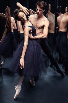 Calista Ruat and Germain Louvet for Repetto Fall/Winter 2015. #Ballet_beautie #sur_les_pointes  *Ballet_beautie, sur les pointes !*