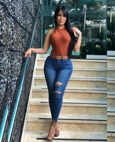 Amazing And Sexy Latinas Jeans With Heels, Sexy Jeans, Skinny Jeans, Curvy Jeans, Fashion Models, Fashion Outfits, Lingerie Models, Girls Jeans, Sexy Women