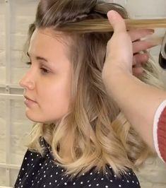 Medium length Hairstyle for Women for medium length hair videos Medium length Hairstyle for Women Curls For Medium Length Hair, Medium Hair Cuts, Medium Hair Styles For Women, Long Hair Styles, Professional Hairstyles For Women, Christmas Hairstyles, Curled Hairstyles, Hair Videos, Hair Color