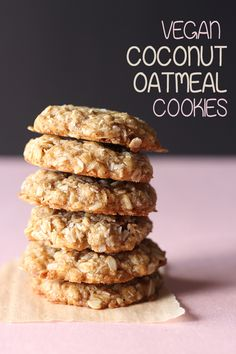 vegan cookies Oats and coconut collide in these amazing coconut oatmeal cookies! These are naturally vegan, perfectly sweet, chewy, and full of amazing coconut flavour! Quotes Vegan, Oatmeal Coconut Cookies, Vegan Banana Cookies, Best Vegan Cookies, Vegan Gluten Free Cookies, Vegan Peanut Butter Cookies, Vegan Muffins, Cake Vegan, Def Not
