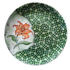 KOMEK PAZARI | Konya Meslek Edindirme Kursları | Konya Büyükşehir Belediyesi Painted Plates, Ceramic Plates, Porcelain Ceramics, Ceramic Art, Islamic Art Pattern, Pattern Art, Islamic Tiles, 3d Wall Murals, Turkish Tiles