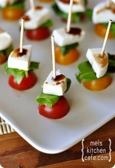 Good idea to make yummy party food. . .Mini Caprese
