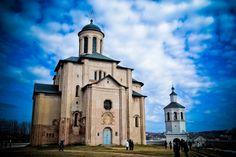 церковь Архангела Михаила была построена во времена правления Давыда Ростиславовича (1180-1197). В храме до середины XX века находилась гробница князя Давида