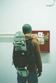 A backpack and a skateboard. - A backpack and a skateboard. Skates, Roman Photo, Skate And Destroy, Base Ball, Skater Boys, Skate Style, Skate Surf, Skateboards, Hipster