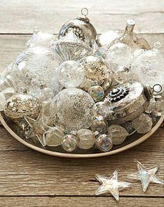 White Vintage Christmas Ideas For A Dreamlike Holiday Coastal Christmas, Silver Christmas, Noel Christmas, All Things Christmas, Vintage Christmas, Christmas Ornaments, Silver Ornaments, Vintage Ornaments, Glass Ornaments