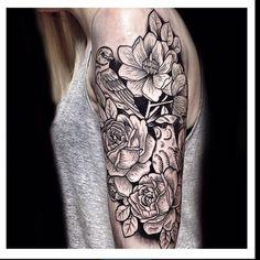 Tattoo by @oliwia_daszkiewicz #blackworkers #tattoo #bw #blackwork #blacktattoo