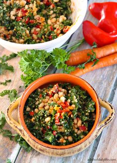 Delicious and nutritious, Lemony Kale Quinoa Salad is a colorful salad packed with loads of flavor! A mix of kale, quinoa, white beans, peppers and carrots finished with a lemon vinaigrette, this salad is sure to be a new favorite!