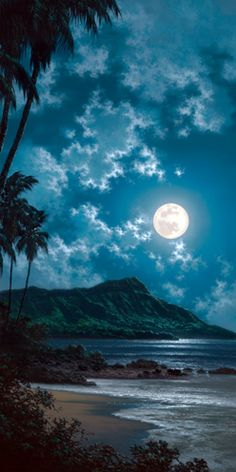 Moon over Diamondhead Honolulu Hawaii