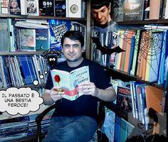 Enrico ha ricreato un clima molto dark. Sembra di vedere un lettore anche dal lontano pianeta Vulcano... Lunga vita e prosperità! http://www.massimopolidoro.com/i-libri/il-passato-e-una-bestia-feroce