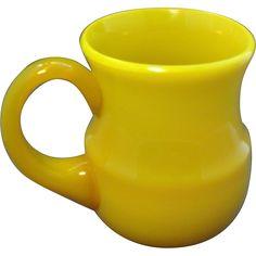 19th century Chinese Canary Yellow or Peking Glass Mug