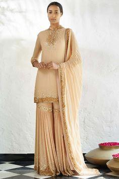 Indian Party Wear, Indian Bridal Outfits, Pakistani Outfits, Indian Wear, Ethnic Fashion, Indian Fashion, Sharara, Anarkali, Saree