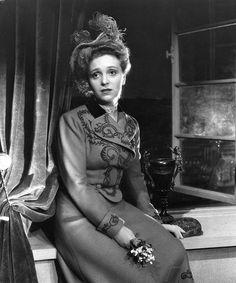 "Ansa Ikonen in a melodrama ""Jossain on railo"" (Dark Is the Rift) 1949  | Elonet"