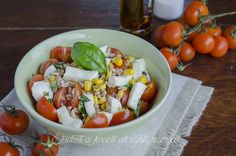 insalata di farro con pomodori e mozzarella mais ricetta estiva fredda