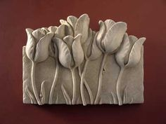 Design of the month April - Tulip Garden - Carruth Studio: Waterville, OH - Tulpen Clay Art Projects, Ceramics Projects, Clay Crafts, Pottery Sculpture, Sculpture Clay, Pottery Art, Clay Wall Art, Mural Wall Art, Ceramic Flowers