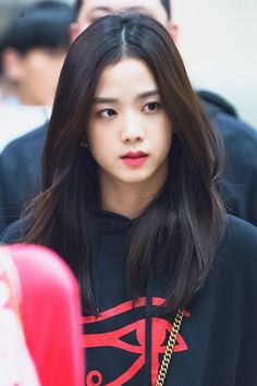 Your source of news on YG's current biggest girl group, BLACKPINK! Please do not edit or remove the logo of any fantakens posted here. Blackpink Jisoo, Divas, South Korean Girls, Korean Girl Groups, Square Two, Black Pink ジス, Blackpink Twice, Bts Kim, Blackpink Photos