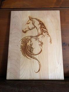 Wood Burning Stencils, Wood Burning Crafts, Wood Burning Patterns, Wood Burning Art, Wood Crafts, Horse Stencil, Stencil Wood, Dream Catcher Drawing, Wood Burning Techniques