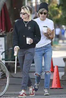 Kristen Stewart grabbed coffee and juice with her live-in girlfriend Alicia Cargile in Los Feliz