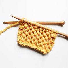 Le point d'alvéoles - The honeycomb brioche stitch — trust the mojo Big Wool, Chunky Wool, Sewing Basics, Basic Sewing, Le Point, Knitting Stitches, Honeycomb, Swatch, Crafty