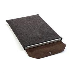 Emmet MacBook Pro sleeve charcoal