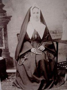 Catholic Saints, Roman Catholic, Nuns Habits, Religion, Be My Teacher, Montreal, Marie, Favorite Things, Sisters