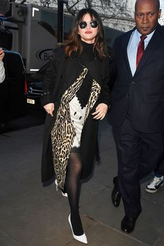Selena Gomez Leaves Kiss FM Breakfast Show in London 12/11/2019. #selenagomez  #selenagomezstyle #celebrity #fashion #clothing #closet #celebrityfashion #celebritystyle #celebritystreetstyle #streetfashion #streetstyle