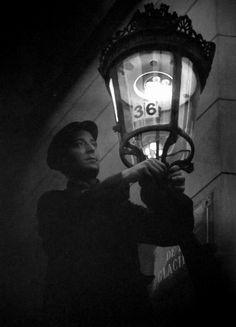 Allumeur by Brassai (Paris, Louis Daguerre, Old Paris, Vintage Paris, Robert Doisneau, Vintage Photographs, Vintage Photos, Boulevard Saint Germain, Wayfarer, Journaling