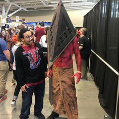 Creepy Silent Hill Pyramid Head! #wizardworld #wizardworldcleveland #comiccon #cosplay #silenthill #pyramidhead #silenthillcosplay #pyramidheadcosplay - Use code witblade at checkout for 10% off Wizard World 2018 tickets!