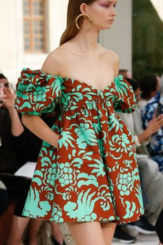 Valentino Spring 2019 Ready-to-Wear Fashion Show Latest African Fashion Dresses, African Print Dresses, African Print Fashion, Africa Fashion, African Dress, Ankara Fashion, African Prints, African Style, African Fabric