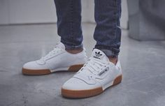 Enjoy The Sneakers You're In With These Tips. A lot of men and women absolutely love sneakers. This explains why the state of the economy factors so little in how well sneakers Sneakers Vans, Converse Sneaker, Ankle Sneakers, Sneakers Mode, Leather Sneakers, Adidas Shoes, Sneakers Fashion, Fashion Shoes, Mens Fashion