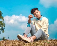 Biography of Riyaz tiktok star : age, favourites, gf, lifestyle and everything you want to know about Riyaz Aly. He belongs from jaigaon, Bhutan . Cute Boy Photo, Photo Poses For Boy, Boy Poses, Poses For Photos, Handsome Celebrities, Cute Celebrities, Celebs, Celebrity Faces, Celebrity Crush