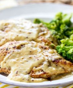 Creamy Honey Mustard Chicken.A delicious 30 minute meal that has a tangy, bold and sweet sauce on top!