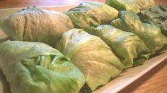 Nyhtökauralla täytetyt salaattinyytit Cabbage, Vegetables, Food, Cabbages, Hoods, Vegetable Recipes, Meals, Brussels Sprouts, Veggies