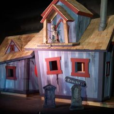 side view of the custom haunted house