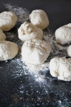 Τυρόπιτες Τηγανιού - Funky Cook Hamburger, Bread, Cookies, Desserts, Food, Crack Crackers, Postres, Biscuits, Deserts