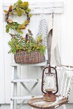 Fresh Fall Farmhouse Decor Ideas and DIY's on Farmhouse Friday - The Cottage Market by etta